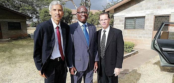 Kaksi adventistiopettajaa säästyi lentokoneturmalta
